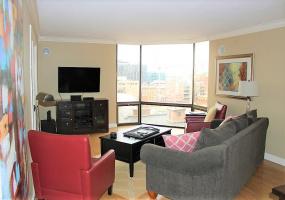 Denver, Colorado, 2 Bedrooms Bedrooms, ,2 BathroomsBathrooms,Condo,Furnished,Barclay Towers,Larimer,9,1109