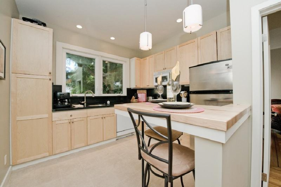 5 Genoa Pl., San Francisco, 94133, 1 Bedroom Bedrooms, ,1 BathroomBathrooms,House,Furnished,Upper Unit,Genoa,2,1175