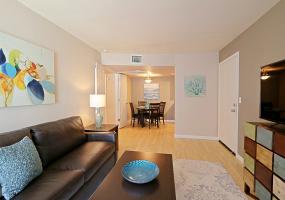 740 W. Elm, Phoenix, Arizona, United States 85013, 1 Bedroom Bedrooms, ,1 BathroomBathrooms,Condo,Furnished,Solaris Condominiums,W. Elm,1199