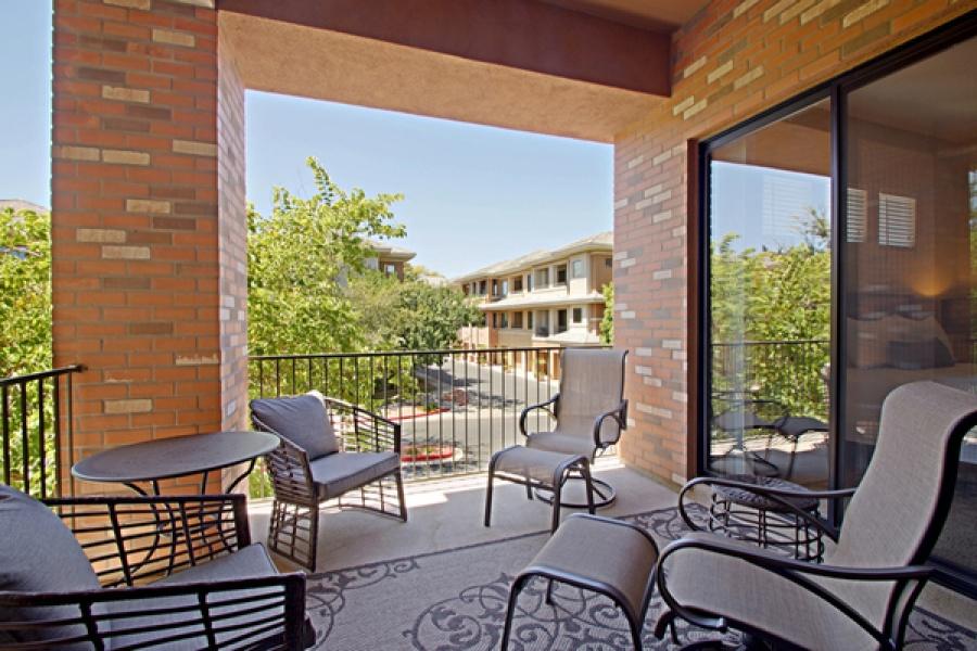 2989 N 44th St., #2004, Phoenix, Arizona 85018, 2 Bedrooms Bedrooms, ,2 BathroomsBathrooms,Condo,Furnished,N 44th,2,1224