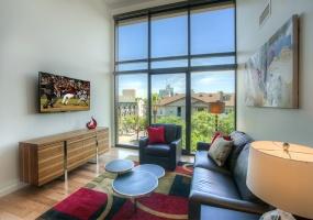 100 W Portland St., #506, Phoenix, Arizona 85003, 1 Bedroom Bedrooms, ,1 BathroomBathrooms,Condo,Furnished,W Portland,5,1234