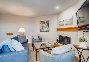 Greenwood Village, Colorado, 2 Bedrooms Bedrooms, ,2 BathroomsBathrooms,Condo,Furnished,Boston Commons,S. Boston,3,1236