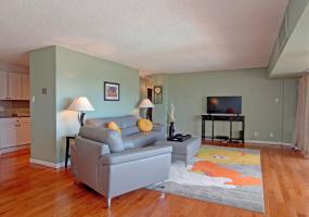 Colorado Springs, Colorado, 80910, 2 Bedrooms Bedrooms, ,1.5 BathroomsBathrooms,Condo,Furnished,Vali High,Lakewood,6,1292