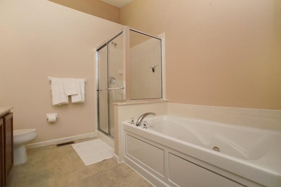 307 Shady Rock Ln, O'Fallon, Missouri 63368, 3 Bedrooms Bedrooms, ,2.5 BathroomsBathrooms,Townhome,Furnished,Shady Rock,1365